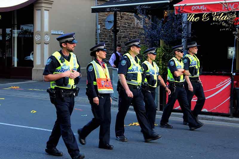 South Australia using virtual reality firearms simulator for police training