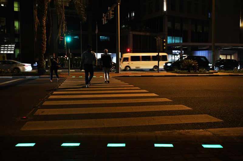 Smart crossing