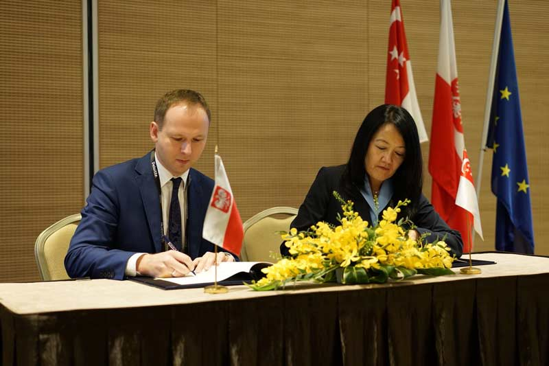 MAS and Polish Financial Supervision Authority (KNF) expand co-operation in FinTech
