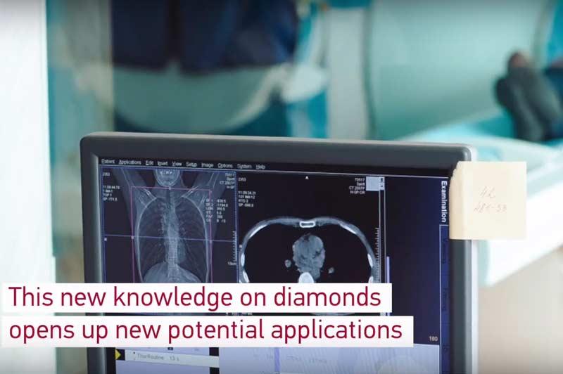 Scientists demonstrate flexibility of diamond nanoscale needles